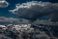 Dramatic Snow (Frédéric Fossard) Tags: paysage nature montagne ciel nuage altitude neige alpes savoie vanoise pointedelamasse stationdeski lumière ombre atmosphère dramatique horizon pistedeski lesmenuires les3vallées sportdhiver remontéemécanique pylône cime massifmontagneux paysagedemontagne contraste orage