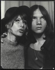 Ingrid und Fifie (StrategieDerOrdnung) Tags: 1970er 1970s 70s париж paris années1970 70er seventies diesiebziger siebzigerjahre rueduthéâtre photobooth fotoautomat photomaton