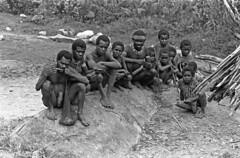 album2film170foto018 (Melanesian cultures) Tags: baliem baliemvallei sibil sibilvallei josdonkers eranotali wisselmeren papua irian jaya nieuwguinea ofm franciscanen minderbroeders missionaris