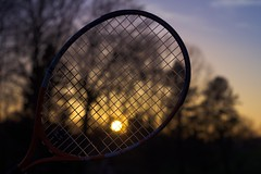 Shoot the falling sun (Sdine) Tags: soleil sun coucherdesoleil sunset sonyalpha sony tennis