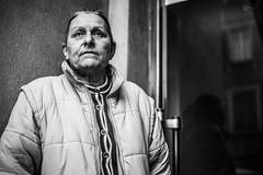 Regard (L'agriculteur Illuminé) Tags: dylan koller regard vide canon eos 5d mark iii 50mm street portrait de rue urbain femme dame noir blanc reflet pensé
