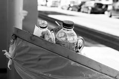 Rue 20_04_2017 (19 sur 34) (Jérôme Loche) Tags: photographie de rue life bordeaux france gironde vie noir et blanc couleur nb aquitaine personne inconnue femme homme jeune couché soliel bus passage piétons fleur rembarde barrière arbre pigeon moto velo poubelle déchets tramway rails nuit jour peintre envol route scooter pomme ruine portrait flou