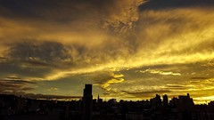 Uma tarde espetacular... (carlos.ufmg) Tags: entardecer sunset nuvens clouds paisagemurbana paisagem urbana townscape samsung galaxys6 s6 galaxy brazil carobrod