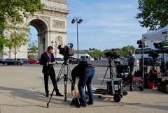 Venus pour les élections (Photographer ninja) Tags: paris france presidentielles2017 journalistes worldpress arcdetriomphe télés placedeletoile