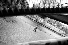 Santiago de Chile (Alejandro Bonilla) Tags: santiago street sony santiaguinos santiagodechile santiagocentro streetphotography santiagochile urban urbano urbe urbex u regiónmetropolitana universitarios urbana bw blancoynegro bn blackandwhite