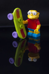 Hans Topo como Bart Simpson (Guillermo Relaño) Tags: lossimpsons thesimpsons hanstopo hansmoleman bartsimpson bart guillermorelaño nikon d90 tamron macro 90mm lego