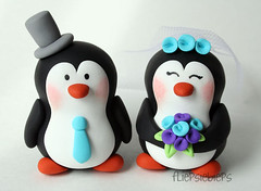 Penguin Wedding Cake Topper (fliepsiebieps_) Tags: wedding cute love penguins couple moose bee polymerclay figurines clay customized caketopper custom klei personalized whimsical custommade caketoppers weddingcaketopper taarttopper fliepsiebieps