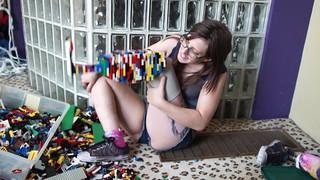 Good Idea!~一位女子利用樂高積木打造左腳義肢