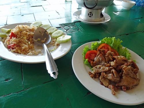 2012 12 21 e Vac Thailand Hua Hin - Khao Tao Beach - lunch-32