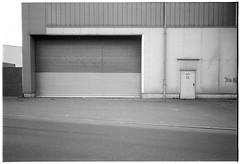 Mannheim, Hafen #1 (Christoph Schrief) Tags: mannheim hafen leicam2 zeisscbiogon2835 agfaapx100newneu selfdeveloped rodinal 150 10min 20° film analog sw bw