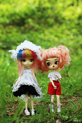 Anémone and Grenadine (Naekolyset) Tags: pullip dal daldoll doll dolls dalmaretti angelicpretty junplanning groove toy sparkles shoes redhead ginger child lolita pinkhair rainbow bokeh nature green darkcircles daljoujou custom ooak blueeyes wig curlyhair makeup