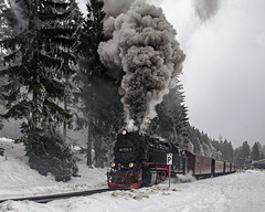 Schierke smoky departure (Nigel Valentine) Tags: harz schierke smoke steam snow germany narrow gauge