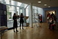 P1160293 (stadtbuecherei.wuerzburg) Tags: 70jahrehochschulefürmusikwürzburg bauwerke bibliotheken deutschland kimseyoung leute orte stadtbüchereiwürzburg violine würzburg zhoutongtong