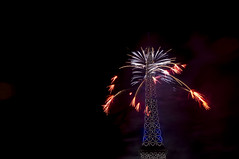 🇬🇧 Fireworks (matfarina) Tags: 14juillet bastilleday france paris eiffeltower landmark fireworks celebration europ visitparis villelumiere igersparis igereu