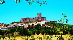 Portel (António José Rocha) Tags: portugal alentejo portel vila castelo natureza paisagem casas aoarlivre povoação árvores colina telhados cores campo