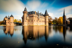 The Castle (Anthony Malefijt - www.malefijtfotografie.nl) Tags: landscape light clouds le longexposure long exposure castle kasteel de haar blue sky water reflection nikon wwwmalefijtfotografienl