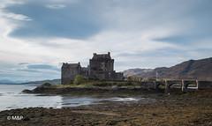 Eilean Donan Castle (MF[FR]) Tags: 2016 ecosse scotland sky water clouds castle long exposure château samsung eilean donan eau pose longue ciel nuage nx1