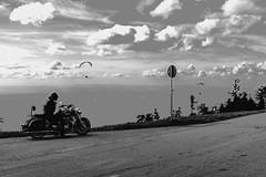 2014.08.30-DSC_1510 (Speierling93) Tags: gleitschirmfliegen kandel motorrad schwarzwald waldkirch