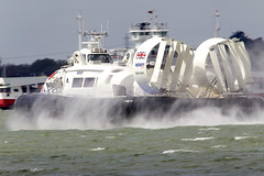 Hovercraft (Bernie Condon) Tags: sprey water sea solent southamptonwater southampton woolston weston hovercraft griffon passenger iow ferry craft