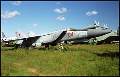 04 red - Monino Museum 20.08.2001 (Jakob_DK) Tags: 2001 monino centralrussianairforcemuseum mikoyan gurevich mikoyangurevich mig mig25 foxbat mig25pd sovietairforce