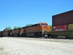 DPU's (Midwest_Matt9720) Tags: bnsf long stack kansas ca chicago es es44 dashs 9 dpu container