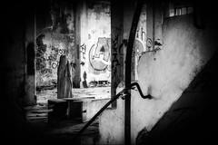 Quand déambule  le spectre.../ When the spectre wanders... (vedebe) Tags: noiretblanc netb nb bw monochrome abandonné usinedésaffectée decay fantôme urbain urbex city ville street rue ruines