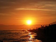 Puesta de sol (Antonio Chacon) Tags: andalucia atardecer marbella málaga mar mediterráneo costadelsol cielo españa spain sunset puestadesol paisaje nubes nature naturaleza orilla agua