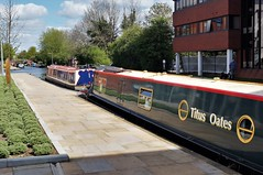 Vanishing Point (dlanor smada) Tags: grandunion aylesbury bucks narrowboats canals