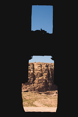 Temples view (André Moecke) Tags: temple petra heritage old desert wadi jordan amman door portal sunnyday