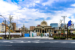 Tsukiji Honganji Temple : 築地本願寺 (Dakiny) Tags: 2017 spring april japan tokyo chuo chuoward tsukiji city street outdoor temple honganji tsukijihonganjitemple lanscape architecture japanesearchitecture building people nikon d7000 sigma 1770mm f284 dc macro os hsm sigma1770mmf284dcmacrooshsm nikonclubit