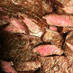 Kockning med @dback79 och övriga #kockklubben. Det blev annat än kött också. #meat #grill #flankstek (Simon Lampenius) Tags: kockning med dback79 och övriga kockklubben det blev annat än kött också meat grill flankstek