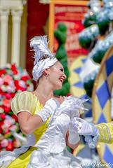 Festival Of Fantasy (disneylori) Tags: festivaloffantasyparade swancourt disneyperformers waltdisneyworldparade disneyworldparade disneyparade parade magickingdom waltdisneyworld disneyworld wdw disney