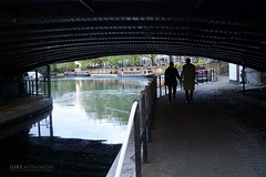 Couple at Little Venice - London (Luke Agbaimoni (last rounds)) Tags: venice london shadow shadows arch silhouette silhouettes couple love water canel boat