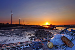 fishing bay sunset (Thunderbolt_TW) Tags: sunset sea sky sun reflection water windmill canon landscape taiwan     windturbine  changhua       hsienhsi  5d2 changpingindustryarea