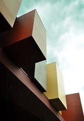 Musée du quai Branly (Jean Nouvel) (Burçin YILDIRIM) Tags: travel paris france building museum architecture europe modernarchitecture jeannouvel muséeduquaibranly mqb