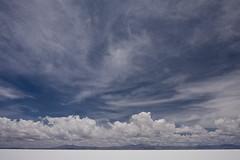 ... (d-kings) Tags: trip travel viaje blue sky ex canon eos dc holidays sigma bolivia cielo 1020 vacaciones uyuni f35 salardeuyuni hsm 40d choconiosphotos fotosdechoconio dkingsphoto vision:mountain=0652 vision:outdoor=099 vision:clouds=099 vision:car=0511 vision:ocean=0636 vision:sky=099 uyuniflatsalt