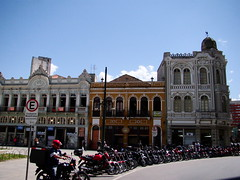 C U R I T I B A (C a R o L ***) Tags: cidade brasil cotidiano centro ciudad curitiba vida motos histórico tránsito