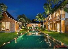 Home is where the heart is ✨ Stunning ricefield view from garden, pool and bedrooms, this villa is the perfect place for a relaxing stay and wedding party, only 5min drive from Seminyak. For detail visit : buff.ly/2n9IzxP . . #bali #luxury #geria (geriabali) Tags: baliisland beautiful theluxurylifestylemagazine luxuryvilla wonderfulindonesia instagram balivilla pool island villa amazing geriabali luxuryworldtraveler homesweethome happiness baliyoga villas home ootd luxury bali baliholiday holiday baliretreat facebook balivillas nightlights beautifuldestination luxwt villabali