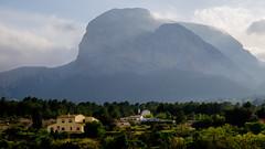 El Peñón (Juandalfweb) Tags: montaña mountain xirles polop alacant alicante españa spain spring nubes clouds fujifilm fuji fujifilmx fujistas fujifilmxt1 xf1855f284 xt1 xtrans