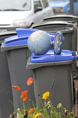Monde à recycler / Recycled world (Fontenay-sous-Bois Officiel FRANCE) Tags: fontenay fontenaysousbois regionparisienne valdemarne iledefrance 94 94120 fsb france