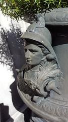 Minerva Planter (Mamluke) Tags: minerva helmet urn metal iron streetfurniture furniture planter head bust figure face savannah georgia savannahgeorgia mamluke south southern metallo metall métal grey gray grigio grau gris