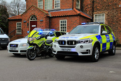 Casualty Reduction Fleet (PFB-999) Tags: humberside police volvo v70 t6 estate petrol automatic auto bmw r1200rt motorbike motorcycle bike x5 4x4 lineup casualty reduction unit car vehicle roads policing rpu team lightbar grilles fendoffs leds yx09fwt yx17cfv