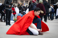 Superman forgot his boots (Photo Oleo) Tags: superman fight pillow 2017 nathanphilipssquare candid newmindspace street