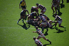 Passing Move (Worthing Wanderer) Tags: twickenham theclash leicester bath rugby union aviva premiership stadium crowd sport