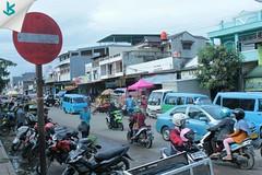 Bahagia itu datang bersama sabar, dan perginya bahagia bersama ikhlas~ Jangan lupa bahagia lur 😃 #market #pasartradisional #serang #dailyactivity #kotaserang #rtc #pasarrau #morning #semangatpagi #Banten #Indonesia http://bit.ly/1BFtNAa (kotaserang) Tags: ifttt instagram bahagia itu datang bersama sabar dan perginya ikhlas~ jangan lupa lur 😃 market pasartradisional serang dailyactivity kotaserang rtc pasarrau morning semangatpagi banten indonesia httpkotaserangcom