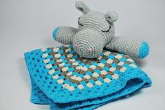 Mantita hippo (La Borda del Crochet) Tags: amigurumis ganchillo lanasdrops algodón crochet handmade hipopótamo mantaapego bebés