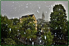Zurich, April 2017: A Very Capricious Spring (1) (Ioan BACIVAROV Photography) Tags: snow snowstorm spring zurich bacivarov ioanbacivarov bacivarovphotostream interesting beautiful wonderful wonderfulphoto nikon journalism photojournalism city ville panorama