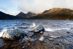 Splashing at sunrise at Dove Lake and Cradle Mountain (seantaylorphotography) Tags: cradle mountain dove lake beach bay landscape photography australia aussie tasmania tassie discover explore national park travel travelblog adventure episodes adventureepisodes sunrise dovelake cradlemountain