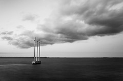 SOMEWHERE IN BETWEEN (Rober1000x) Tags: longexposure sea sky clouds florida miami keywest keylargo 2013