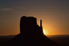 Monument Valley Sunrise (P M Littman) Tags: monumentvalley
